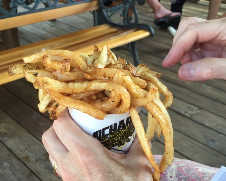 Fries with vinegar