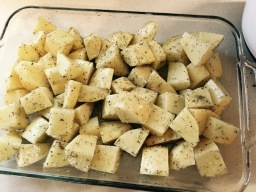 Big chunks of peeled potatoes