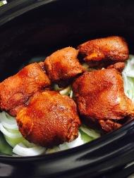 Marinated chicken on onion-garlic bed