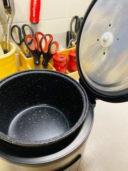 Non-stick pot